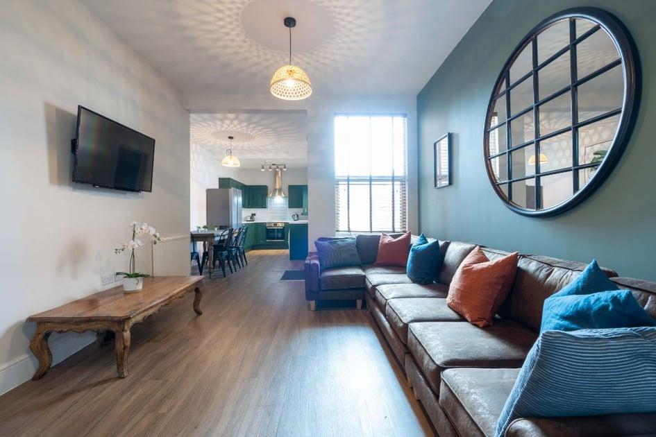 35KR - Living Area