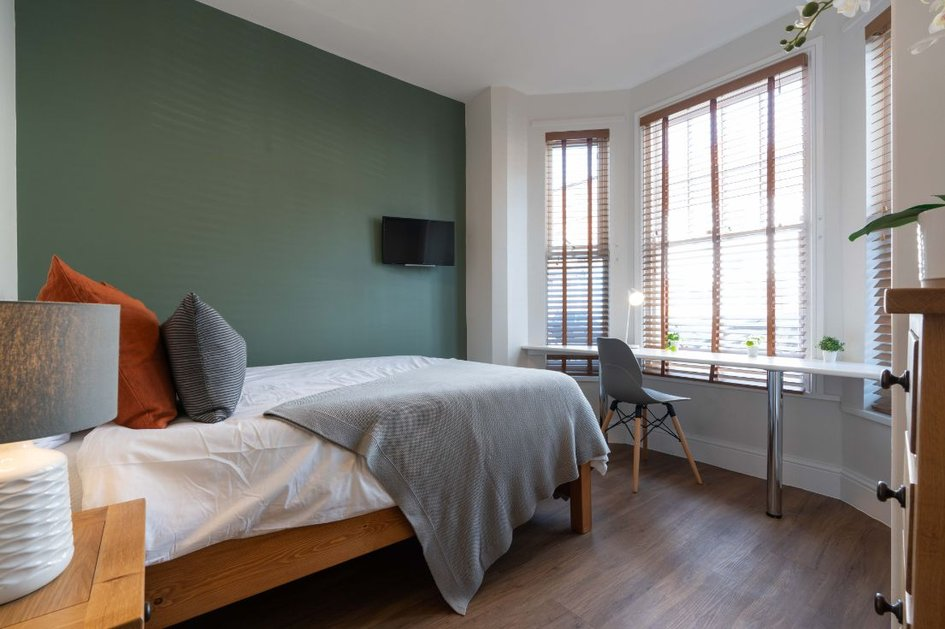 35KR - Bedroom 1