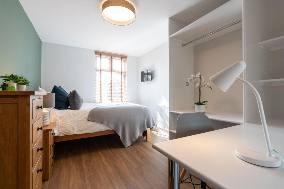 35KR - Bedroom 2